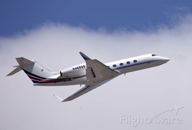 Gulfstream Aerospace Gulfstream IV (N468QS) - Powerful take off.