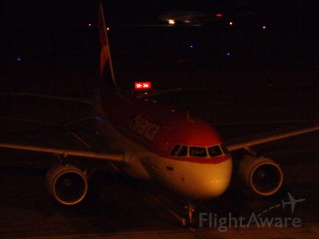 Airbus A319 (N647AV)