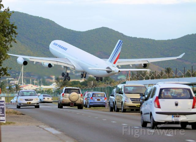Airbus A340-300 (F-GLZN) - Air France F-GLZN departing St maarten to France