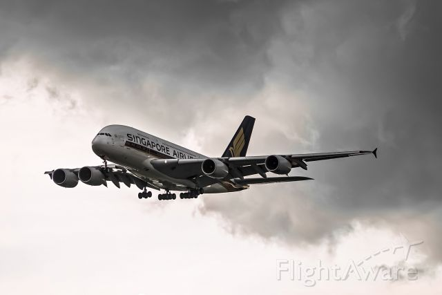 Airbus A380-800 (9V-SKK) - Singapore Airlines' superjumbo returns to Singapore after a flight from London Heathrow