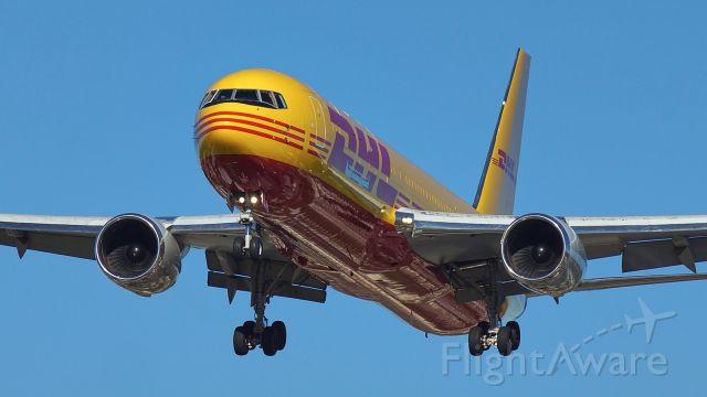 BOEING 767-300 (CKS502) - 13R approach.