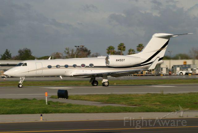 Gulfstream Aerospace Gulfstream IV (N450T) - Gulfstream 450[#4105] departing Long Beach.