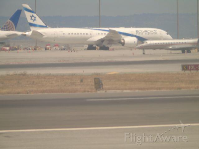 Boeing 787-8 (4X-EDC)