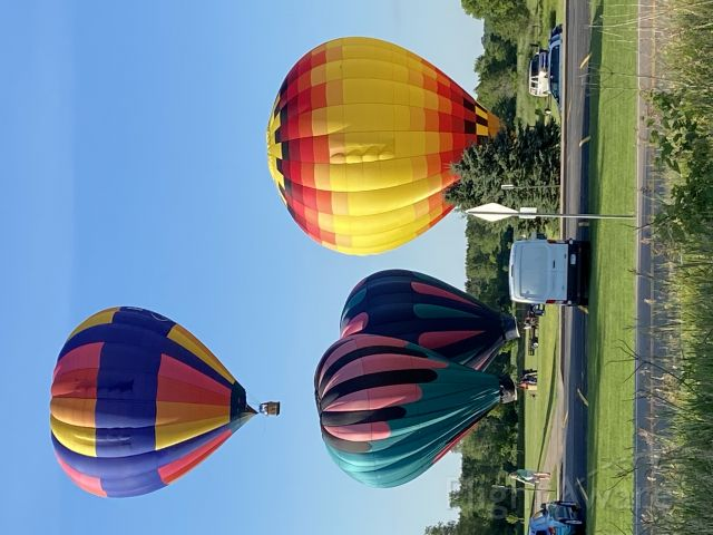 Unknown/Generic Balloon — - Walked the St Croix River Crossing Loop Trail and just happened top catch these balloons departing from Houlton, WI for an evening view of the St Croix River valler at Stillwater.