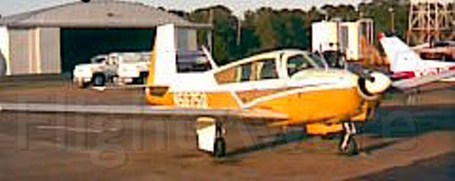 N5675Q — - On the ground at Natchez with door open on 10/3/08.