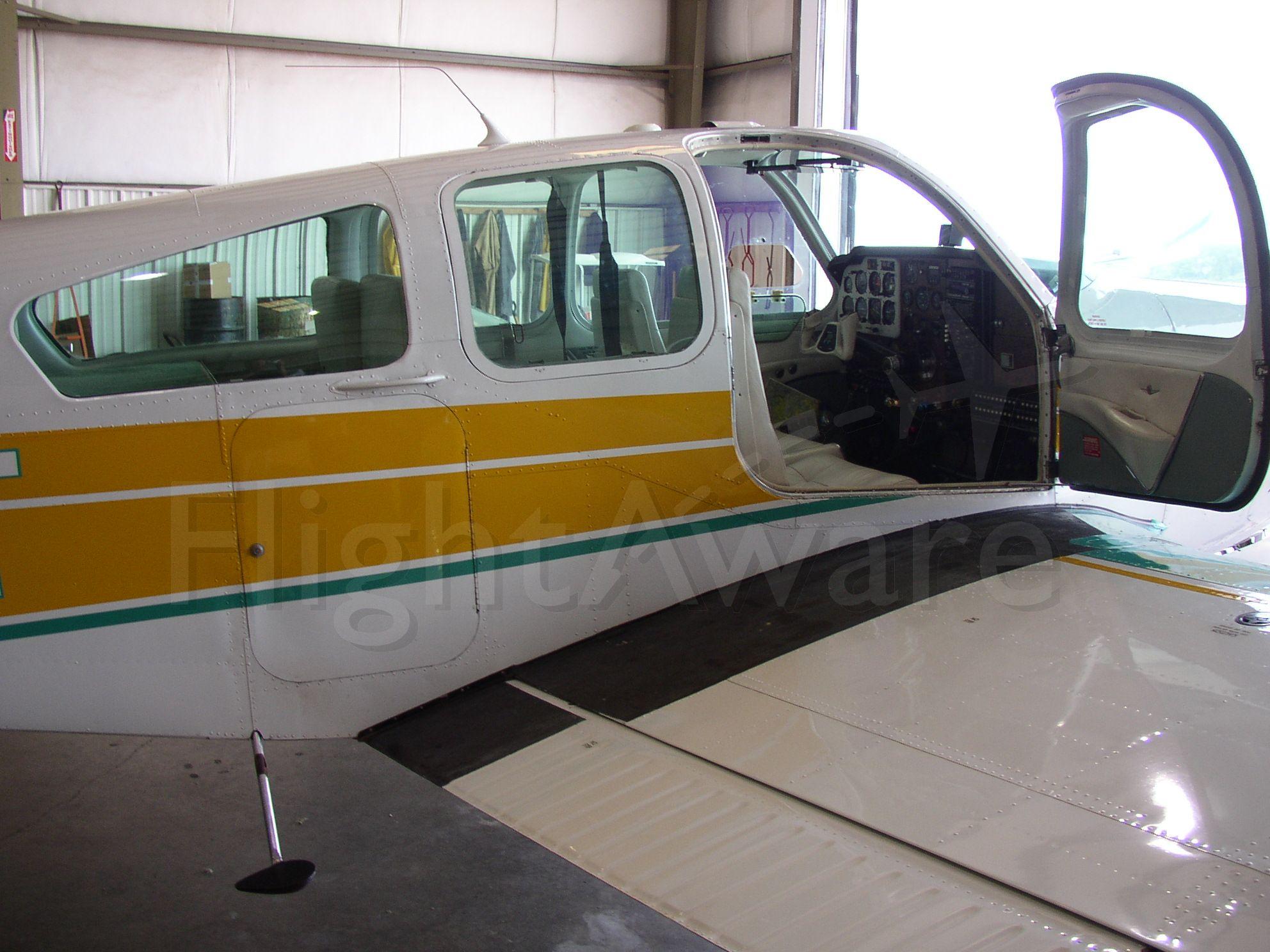 Beechcraft 35 Bonanza (N631T)