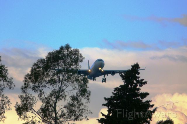 Airbus A340-300 (ZS-SXF)