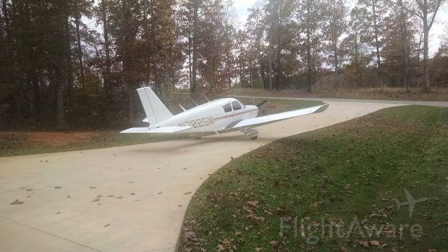Piper Cherokee (N7225W)