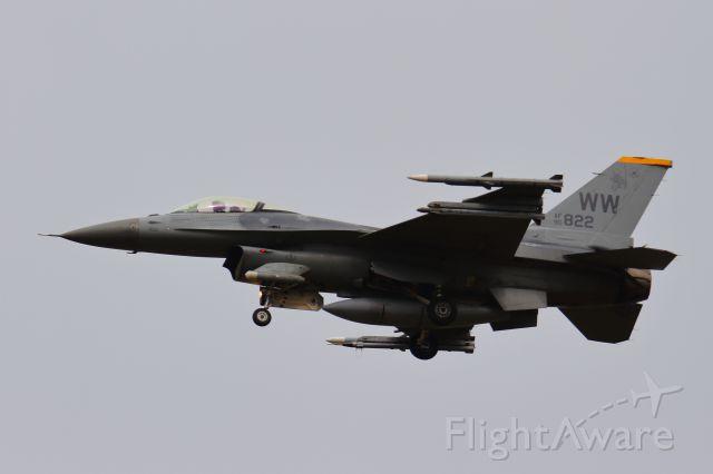 Lockheed F-16 Fighting Falcon (90-0822)