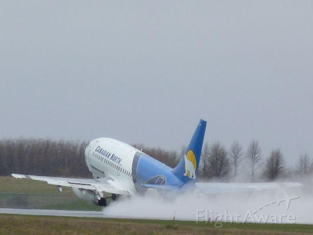 Boeing 737-200 (C-GSPW)