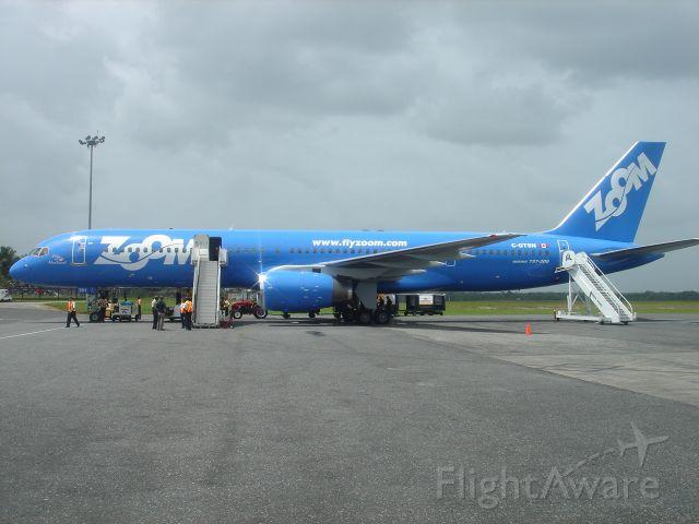 Boeing 757-200 (C-GTSN)