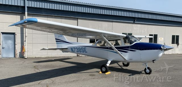 Cessna Skyhawk (N738SE)