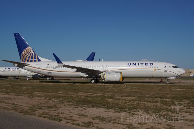 N37511 — - United Airlines stored their entire 737-MAX9 fleet at Goodyear during the MAX grounding.  Photographed April3rd 2020.