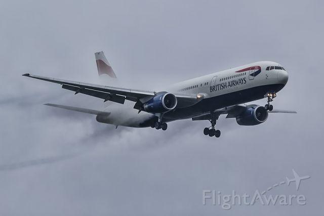 BOEING 767-300 (G-BNWZ)