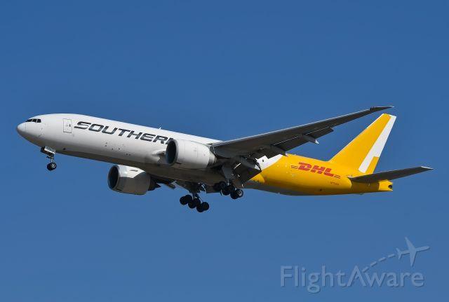 Boeing 777-200 (N775SA)