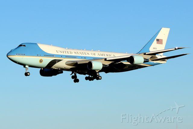 Boeing 747-200 (82-8000) -