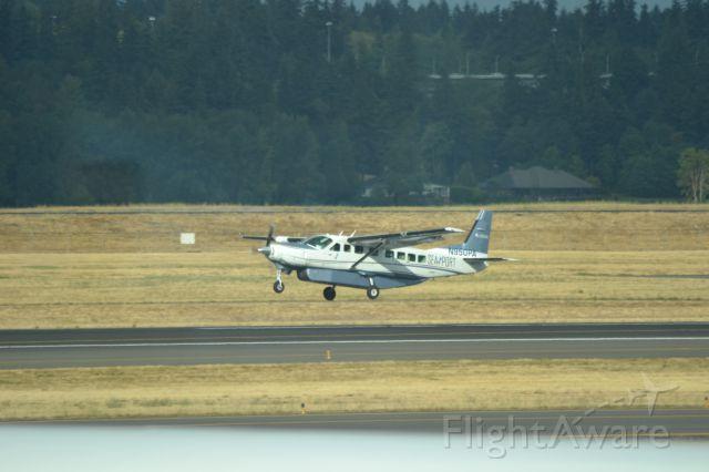 Cessna Caravan (N950PA) - Landing at PDX