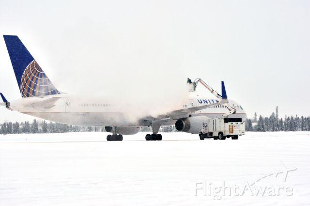 Boeing 757-200 (N12125) - UAL125 Goose Bay 02January2012