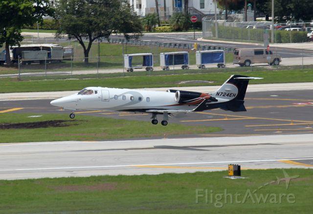 Learjet 60 (N724EH)
