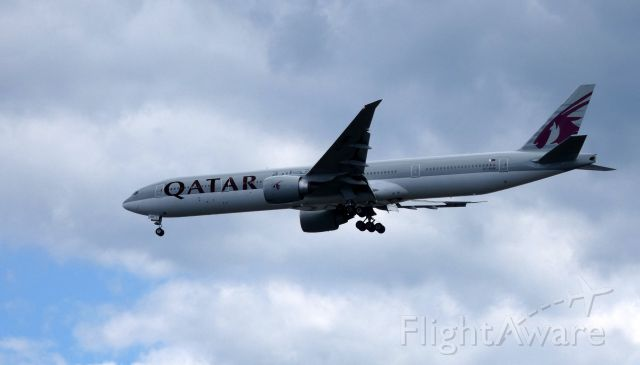 BOEING 777-300ER (A7-BAN) - On final is this 2011 Qatar Airways Boeing 777-300ER in the Summer of 2019.