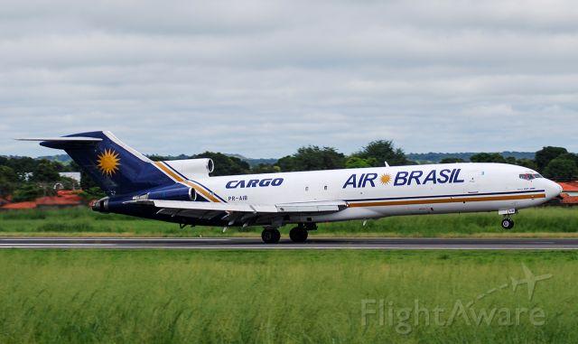 BOEING 727-200 (PR-AIB) - PR-AIB | Boeing 727-227(Adv)(F) Air Brasil Cargo  decolando do Aeroporto de Teresina - PI