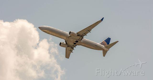 Boeing 737-900 (N68801)