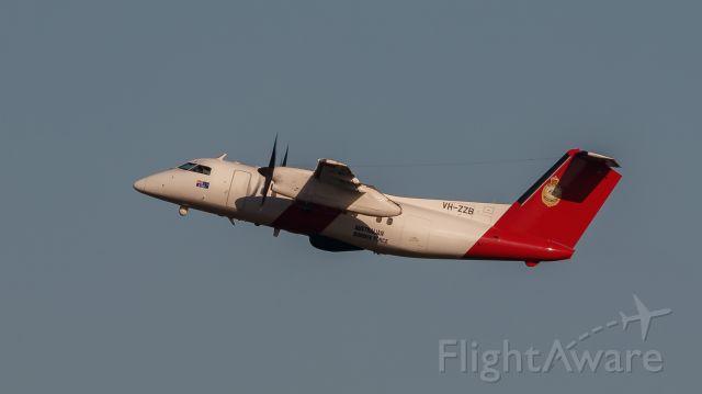 de Havilland Dash 8-200 (VH-ZZB)
