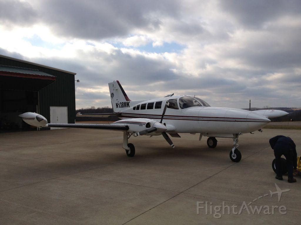 Cessna 402 (N138MK)