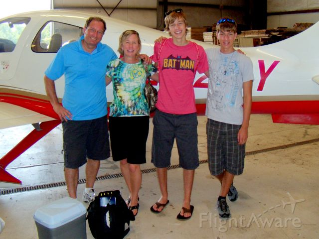 N222BY — - The whole crew upon arriving in Ohio