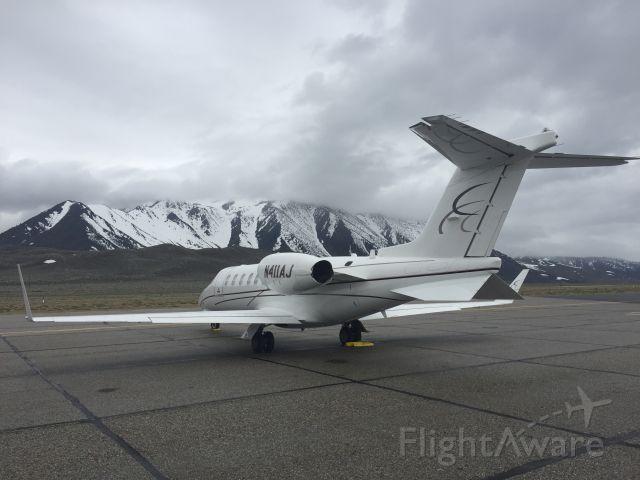 Learjet 40 (N411AJ)