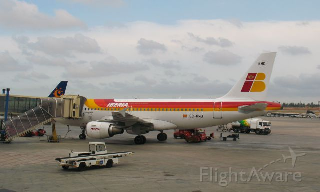 Airbus A319 (EC-KMD) - Iberia Airbus A319-111 EC-KMD in Valencia