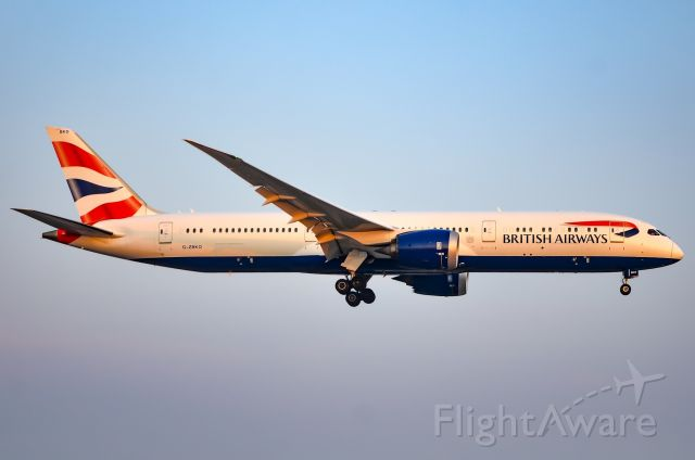 Boeing 787-9 Dreamliner (G-ZBKO) - Here is a British Airways 787-9 coming into YYZ during golden hour on August 27,2018.