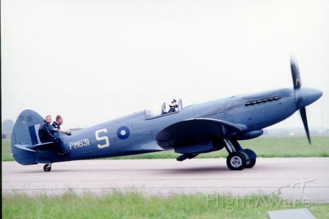 SUPERMARINE Spitfire (TOS631)