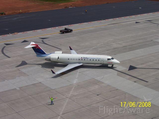 Canadair Regional Jet CRJ-200 (N806CA)