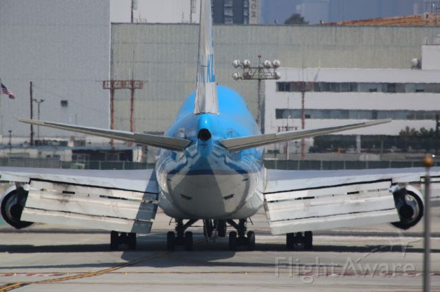 Boeing 747-400 (PH-BFT) - CROSSING R25R AFTER LANDING