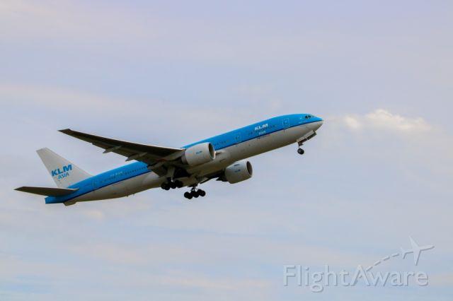 Boeing 777-200 (PH-BQM) - Taken from Kaagbaan, AMS