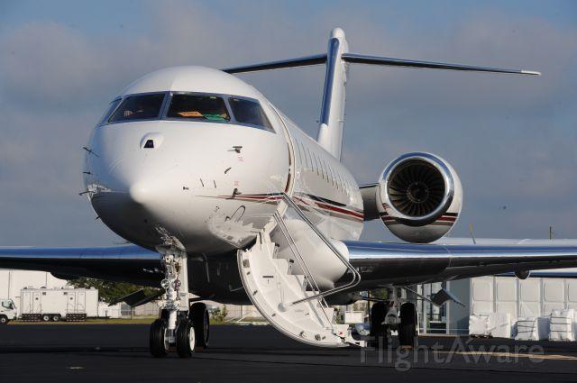 Bombardier Global Express (N145QS)