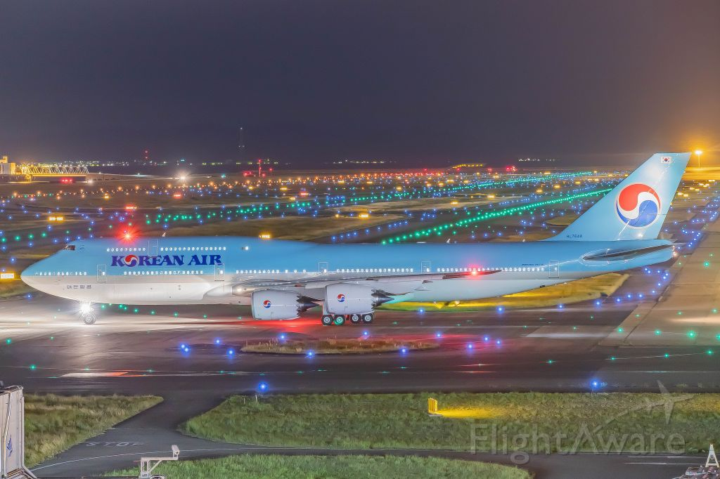 BOEING 747-8 (HL7644)