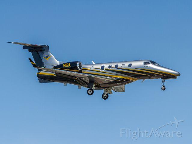 Embraer Phenom 300 (N5A)