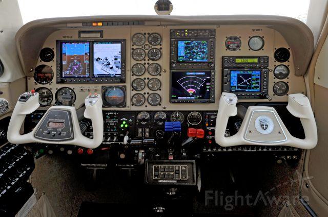 Beechcraft Baron (58) (N7205E) - Beech Baron 58P