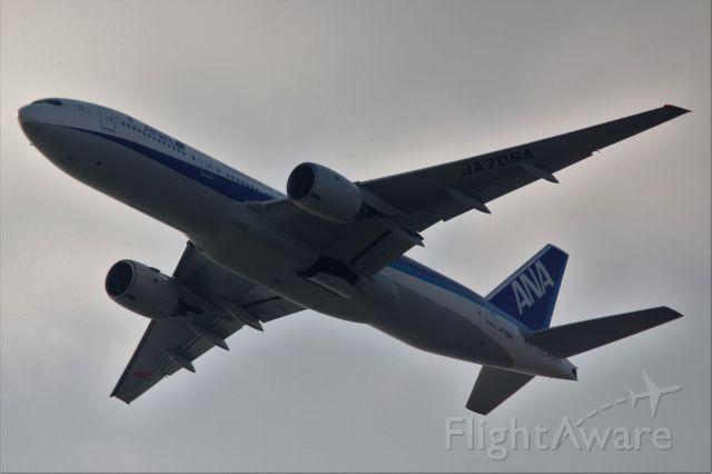 Boeing 777-200 (JA706A)