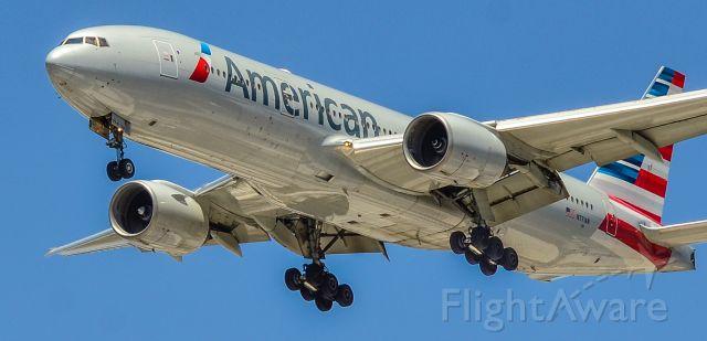 Boeing 777-200 (N771AN) - N771AN American Airlines Boeing 777-223ER s/n 29579 - Las Vegas - McCarran International Airport (LAS / KLAS)<br />USA - Nevada June 8, 2021<br />Photo: Tomás Del Coro