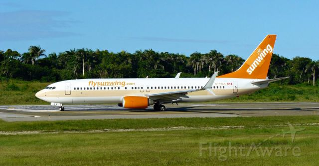 Boeing 737-800 (C-FTLK)