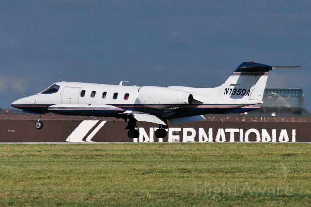 Learjet 35 (N135DA)