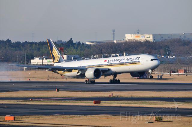 BOEING 777-300 (9V-SWE) - 2012/3/25
