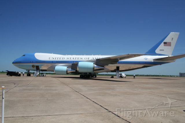 Boeing 747-200 (N28000) - TSTC WACO