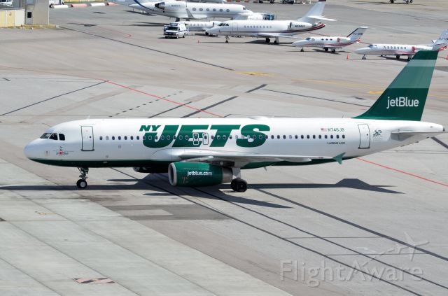 Airbus A320 (N746JB) - New York Jets Plane