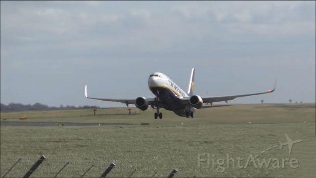 Boeing 737-700 (RYR2446)