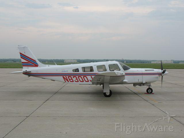 Piper Saratoga (N8300J)