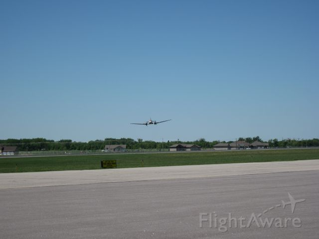 Douglas DC-3 (N143D) - Fly By